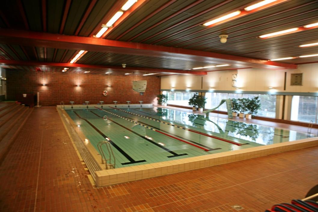 DAGENS SVØMMEHALL: Sofiemyrhallens svømmehall er gammel og sliten, og trenger oppussing.