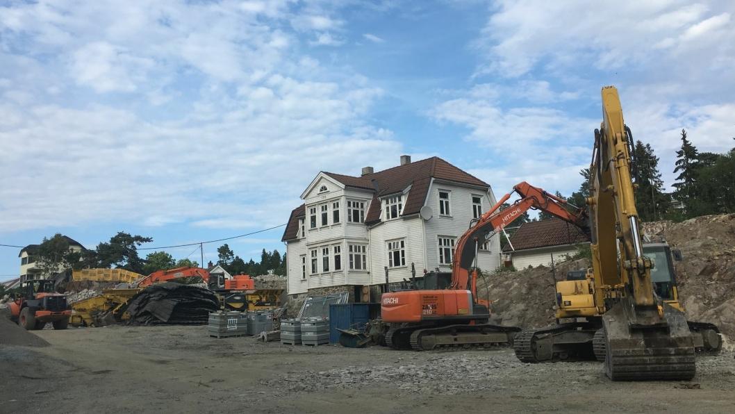 STORE TING PÅ GANG: Det hugges og hakkes i hele kommunen for tiden, blant annet på det som skal bli Kolbotn Hage i Ormerudveien på Kolbotn.