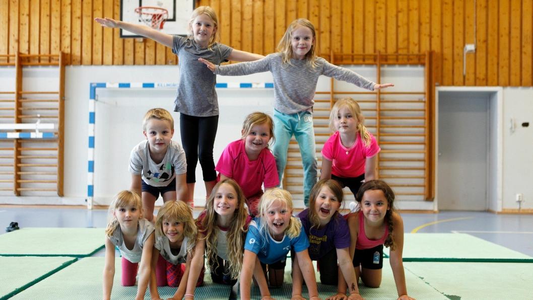 STORKOSER SEG: Takket være Oppegård Kulturskole, ble sommerferien både lærerik og morsom for disse og mange andre barn denne sommeren.