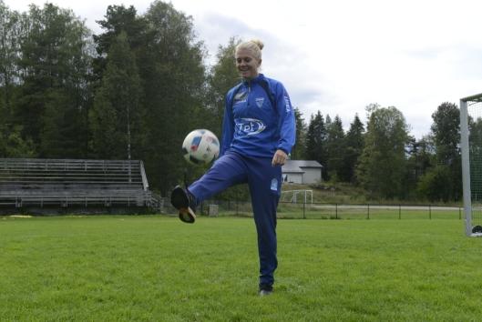 LEGGER TROLIG OPP NESTE ÅR: Solveig Gulbrandsen legger sansynligvis fotballskoene på hyllen etter årets sesong.