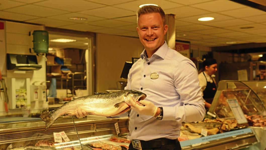 GREVERUDS GLADLAKS: Øyvind Øvsthus har ståltro på sin Meny-butikk, og fremhever ferskvaredisken som en av de største suksessene.