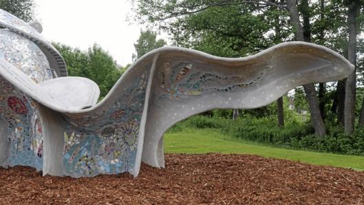 VAKKER: Dette er Hjerterom-skulpturen i Generasjonsparken.