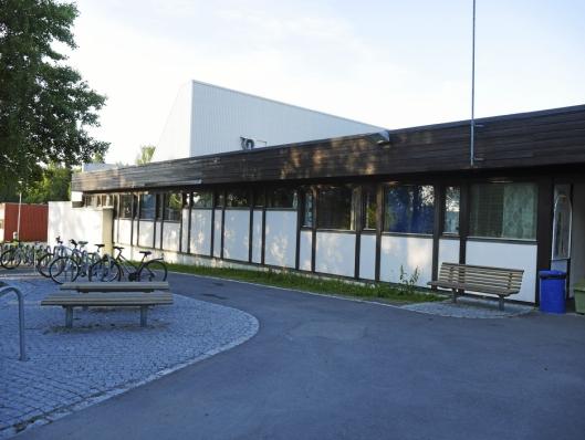 HER KAN DET BLI NY SKOLE: En ny skole kan komme der Sofiemyrhallen står i dag.
