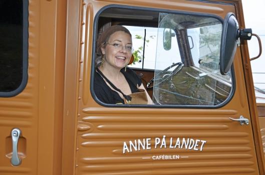 I FOOD-TRUCKEN: Anne Gravingen er tilgjengelig både fast og mobilt, i både kaféen i Hvervenbukta og i food-trucken, som reiser rundt i hovedstadsområdet.