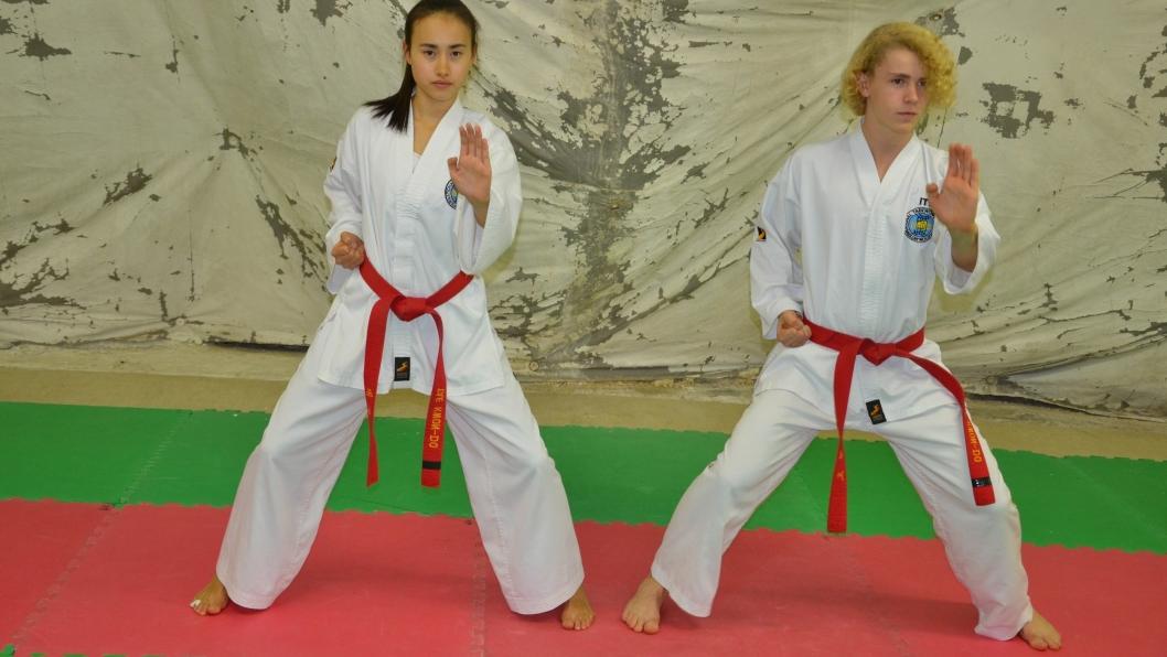 HØYT GRADERTE: Ella Bergli og Simen Smedstad deltar begge både i sparring og mønster.