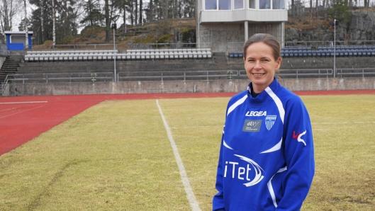 Cecilie Berg-Hansen, hovedtrener for Kolbotn Kvinnefotball, synes det er trist at Solveig Gulbrandsen gir seg..