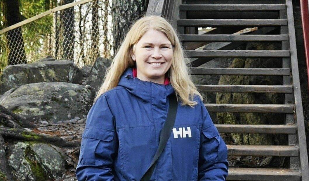 KUN DEN NYE LYSLØYPEN: – Oppegård kommune skal rydde i den nye lysløypetraseen, sier Heidi Tomten, virksomhetsleder for UTE Oppegård.