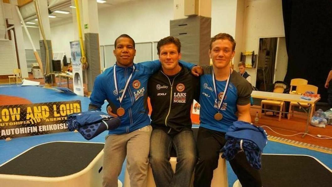 MØTTE LANDSLAGSTRENEREN: Sebastian Aak og Brage Ringheim fikk et storveis møte med den nye landslagstreneren i Finland.