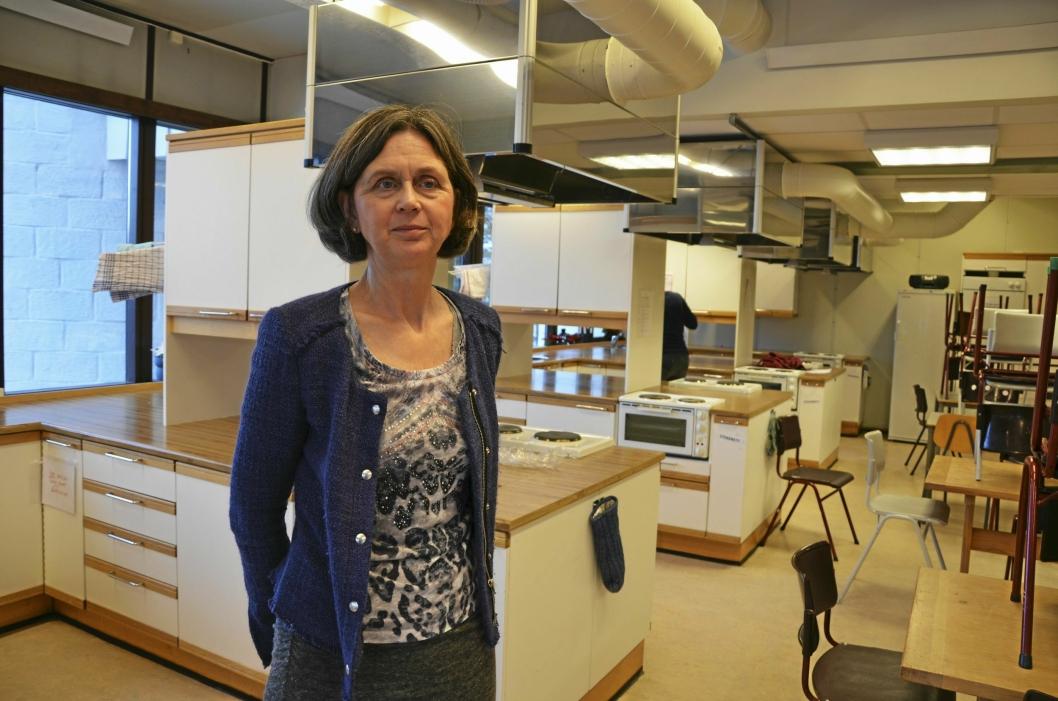 FORNØYD: Lærer Grethe Kristin Gundersen er tydelig stolt av elevene sine!