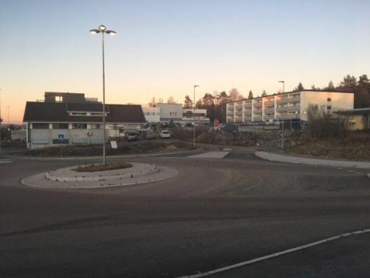NY ADKOMST: Den fjerde armen som skal etableres i rundkjørinngen i Valhallaveien, skal være den nye adkomstveien til Tårnåsen senter.