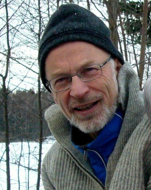 TAKKER: Bernt ChristianGrønvold takker sine redningsmenn gjennom Oppegård Avis.