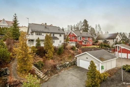 SELGER DENNE: En av boligene Krogsveen selger akkurat nå, er denne boligen i Th. Kittelsens vei 182.