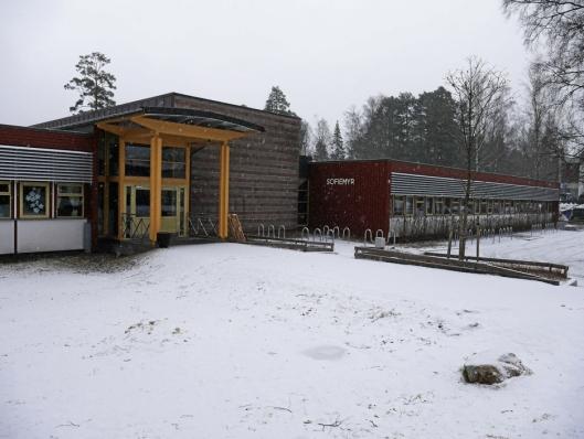 SKAL RIVES: Dagens barneskolebygg på Sofiemyrtoppen skal jevnes med jorden og erstattes med boliger.