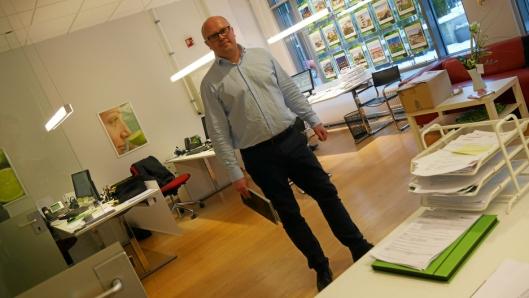 – ET HETT MARKED: Jon Syver Ternå hos Krogsveen AS forteller om et hett boligmarkedet i kommunen, og hetere skal det bli!