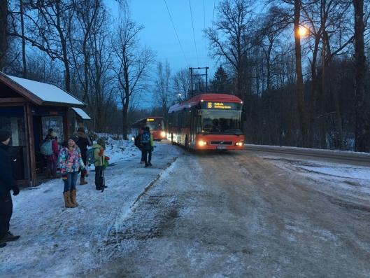 FORBLIR BELTEFRI: Enn så lenge blir beltefrie busser alternativet for rutebussens linje 86, som trafikkerer skolebarn fra Svartskog til Kolbotn skole.