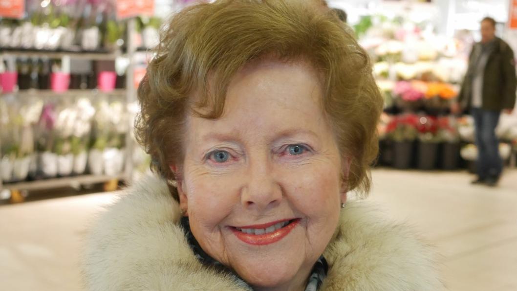 TROR IKKE PÅ SPARING: – Nei. Jeg bryr meg ikke om det særlig og har ikke kapasitet til det heller. Jeg pleier å handle på Meny, som jeg mener er billigst og har best utvalg i Oppegård kommune, sier Laila Brox (83) fra Kolbotn.