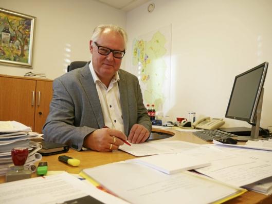 FORESLÅR LITEN SVØMMEHALL: Konstituert rådmann Lars Henrik Bøhler foreslår å bygge et 25 meters basseng i Kolbotn sentrum.