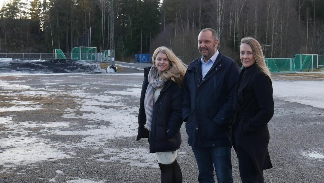 IMØTEKOMMER IDRETTEN: Disse tre politikerne og partiene er enige om avtale som sikrer over 230 milloner til idrettsparken. Ida Lindtveit (KrF), Siv Kaspersen (H) og Geir Amundsen (U) er klare på at det skal bygges hall for alle pengene - bokstavelig talt!