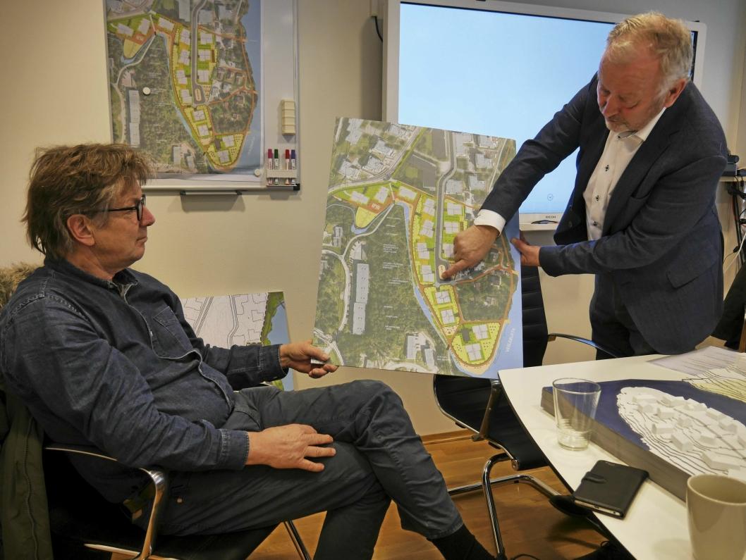 NY PROSJEKT: Petter Bogen jobber nå med Kantorbekken Boligpark. Her er han sammen med daglig leder i Cava AS, Henrik Reiling.