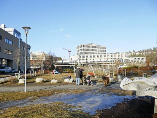 PLANLEGGES HER: Her, hvor generasjonsparken bak Kolben, er det nye folkebadet planlagt.