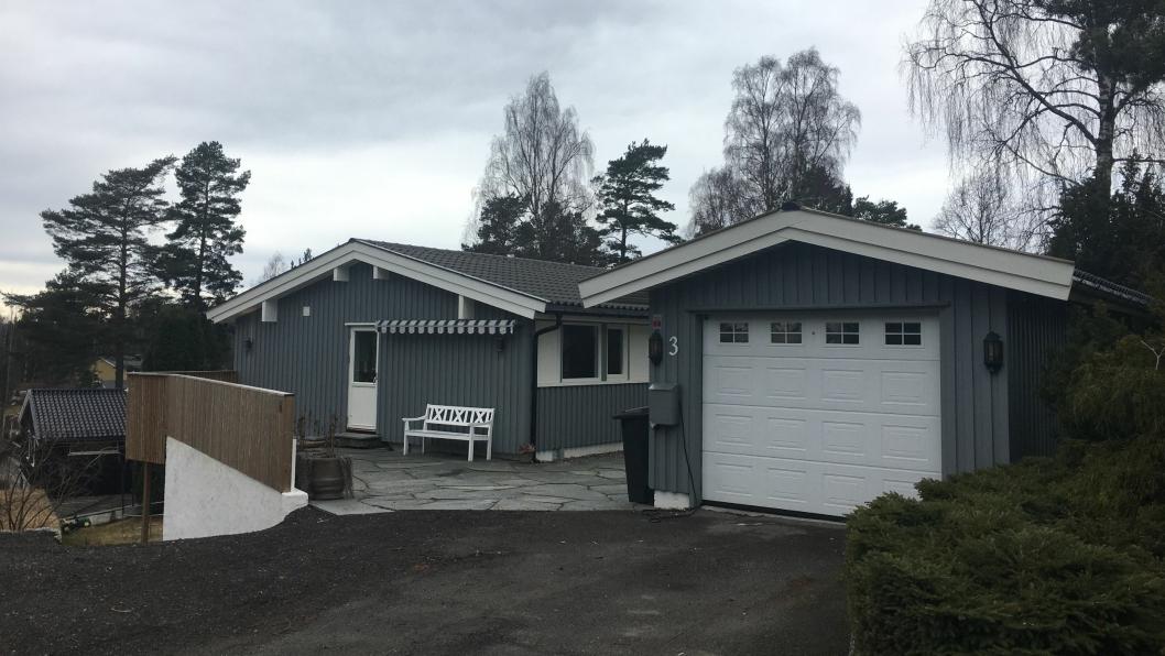 1. Johan Svendsens vei 3(Gnr 47, bnr 98) er solgt for kr 9.100.000 fra Tone Christel Sverd Dragsund og Gorm Ragnar Johnsen til Hege Gunnarschjå Svingeseth og Ronny Svingeseth (17.02.2017).