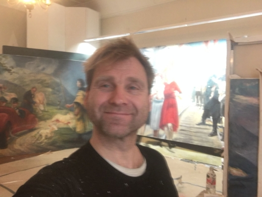 INDIVIDETS VALG: Kunstneren Vebjørn Sand maler på Tjøme, men broren og resten av Galleri Sand reiser rundt med maleriene hans gjennom de siste tiårene.