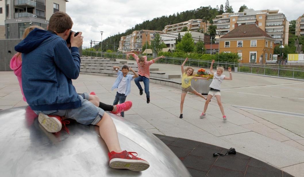 FOTOKURS: Barna som deltok på fotokurset i 2016 hadde det kjempegøy.