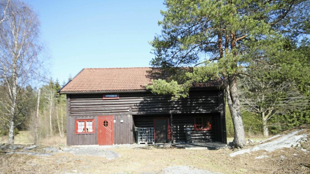 NYERE TIDS KULTURMINNE: Våningshuset på Taraldrud gård, som er et svalgangshus fra 1789, skal flyttes ut av planområdet.