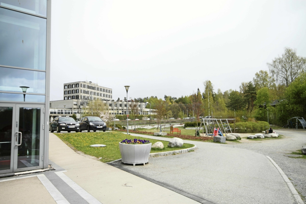 GENERASJONSPARKEN: Rett bak Kolben planlegger kommunen å bygge et nytt bygg med en svømmehall og leiligheter oppå den.