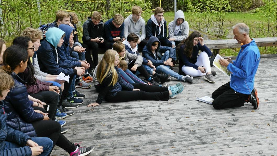 Valgfagelever fra 8. klasse på Hellerasten skole er klare til å finne stolper i stolpejakta 2017.