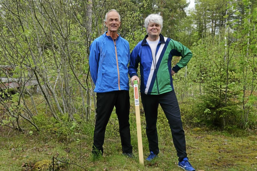 GØY FOR ALLE: Bård Bjørhei (f.v) og Dag Amundsen synes stolpejakta er et fint tilbud for alle.