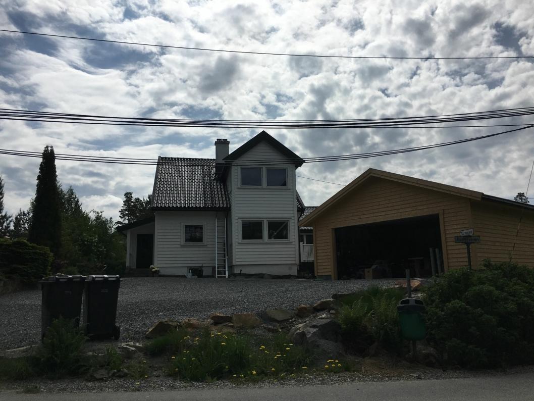 FLOTT: Den nye eieren måtte ut med 7,6 millioner kroner for dette flotte huset i Åsmyrveien 11, som gjorde det til den tredje dyreste boligen i april.