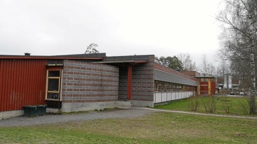 KAN BLI DIN: Sofiemyrtoppen skole vurderes solgt.