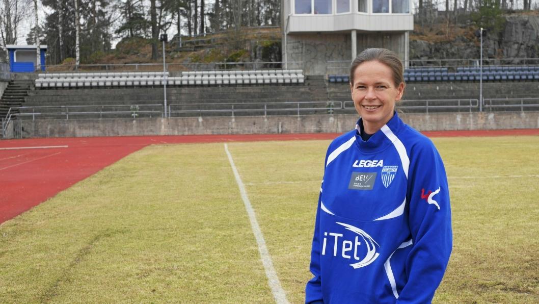 OPTIMISTISK: Hovedtrener Cecilie Berg-Hansen tror det blir en jevn og tøff kamp mot Røa Fotball Elite.