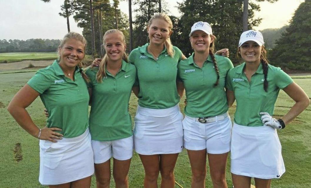 Michelle Forsland fra Sofiemyr har vært sesongens beste spiller på Jacksonville University golflag. Fra venstre: Maria Brunzell, Michelle Forsland, Louise Persson, Megan Collins og Amanda Detmer.