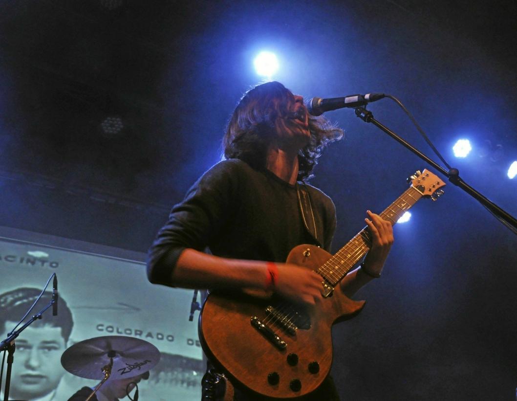 TIL TOPPS: Tobias Huse er frontfigur i doom metal-bandet Æsthetica, og her opptrer de på UKM. I senere tid har de opptrådt blant annet på Blix i Oslo. I fjor gikk de helt til landsfinalen i UKM.
