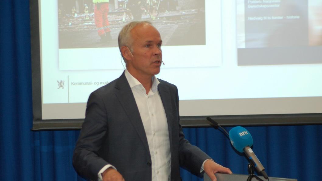 HIT, MEN IKKE LENGER: – Vi har gjort alt vi kan for å dempe støyen uten å dempe sikkerheten, sa Kommunal- og moderniseringsminister Jan Tore Sanner..