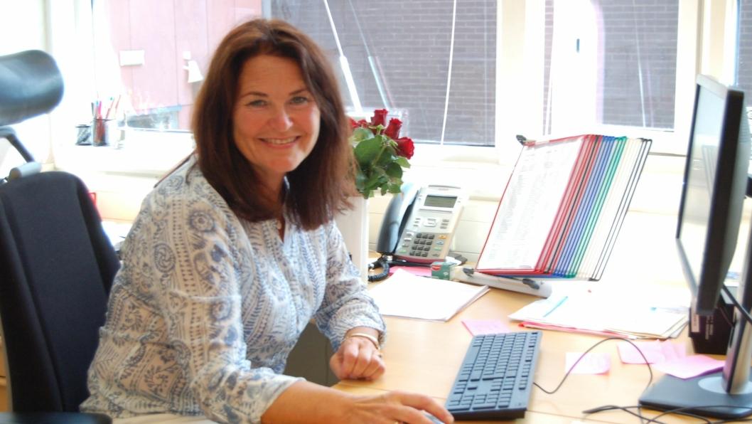 PÅ REKTORS KONTOR: – Det skal ikke være skummelt å komme på rektors kontor, sier Sæthre.