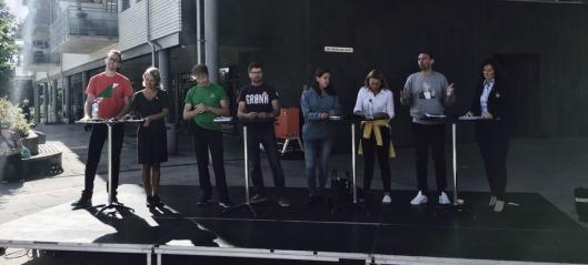 Se paneldebatten fra torget