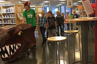 Garantert de to lengste (og mest beleste) bokormene i hele Akershus!
