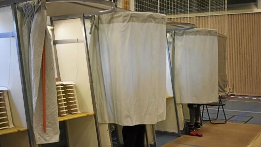 POPULÆRT: Mange har vært i valgurnene i dag, men mange har også valgt å forhåndsstemme, rekordmange, faktisk. Her ser du imidlertid et bilde fra valglokalene i Greverud Krets i dag.