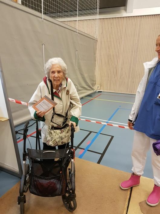 HADDE BESTEMT SEG: Marit Bjørklund vet godt hva hun skal stemme. – Jeg har stemt ved hvert valg siden jeg fikk stemmerett. Og jeg stemmer for Høyre i år - som alle andre ganger, sier hun.