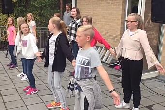 Se Tårnåsen-barna danse BlimeE-dansen!
