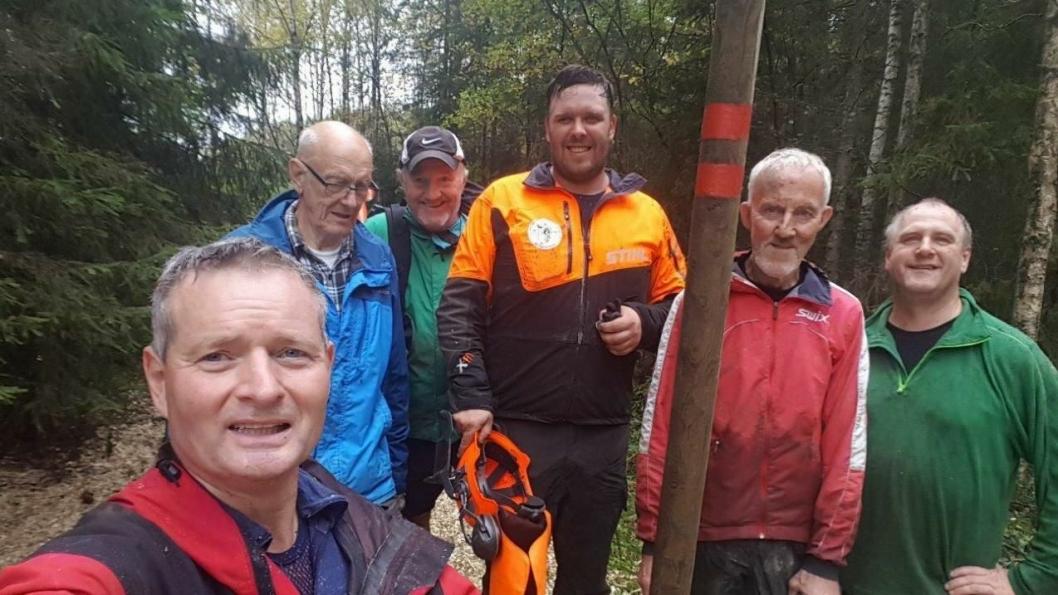 PRIMUS MOTOR: Lokalpolitiker og ildsjel Knut Oppegaard var initiativtaker. Her i front for dugnadsgjengen som sørget for flotte skiløyper.