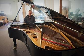 Tar det piano på ny musikk