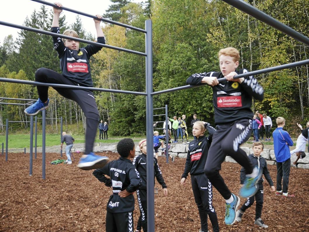 LEK OG TRENING: Tufteparken byr på utallige muligheter av alle slag, er helt gratis å bruke og er åpent og tilgjengelig for alle døgnet rundt.