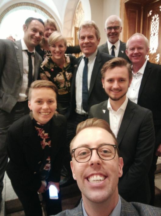 I SAMME BÅT: SVs Stortingsgruppe samlet i én selfie!