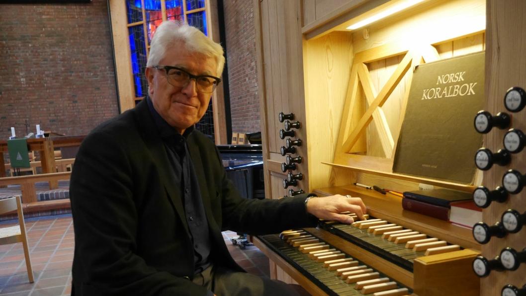 GÅR AV MED PENSJON: Bernt Nordset er klar for å la orgelet stå og nyte sitt velfortjente otium!
