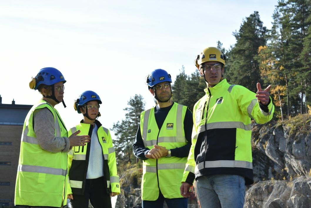 Kommunikasjonsrådgiver Silje Stavik, prosjektleder Aud Val, prosjektsjef Alan Raouf, og anleggsleder Anders Røren fra AF Nybygg.