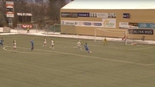 VAKKERT: Her skårer Tonje Pedersen Kolbotns tredje mål i det 87ende minutt.